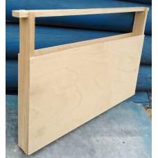 Кормушка боковая, деревянная для Канди.